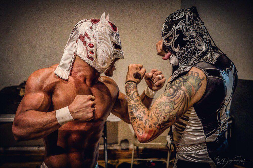 Deux masques, deux guerriers et un