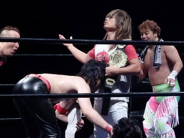 Magnifique parodie de Nakamura et Tanahashi